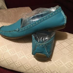 Soft leather teal shoes